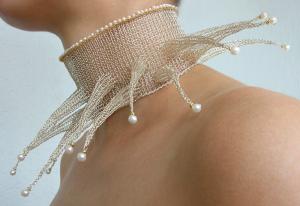 Strahlenkragen gestrickt, Silber, 750/000 Gold, Perlen